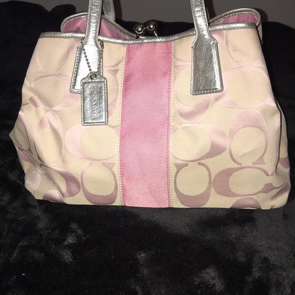 7cfd2081af Coach Handbags - Light pink Coach bag